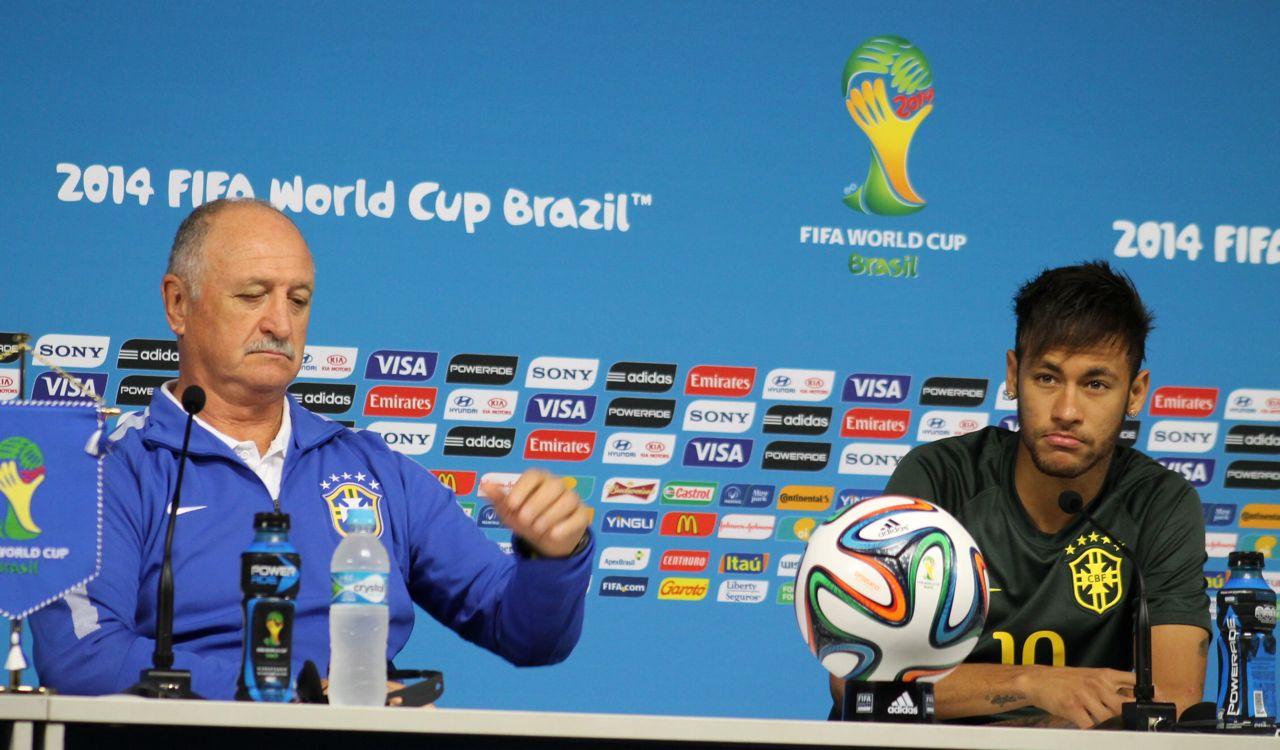 Neymar e Luiz Felipe Scolari em entrevista coletiva