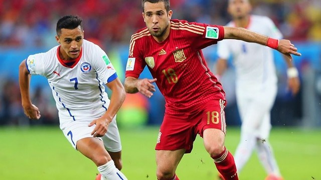 Alexis with Chile vs Spain / PHOTO: FIFA.COM