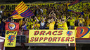 Marcelinho celebrates the title with the Dracs supporters group / PHOTO: GERMÁN PARGA - FCB