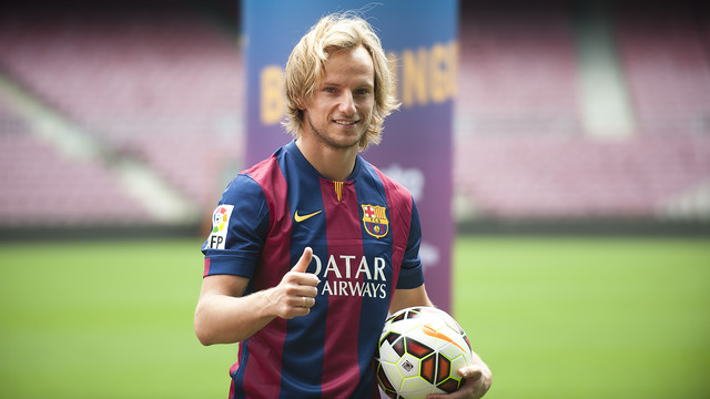 Rakitic in the Barça kit. PHOTO: V. SALGADO - FCB