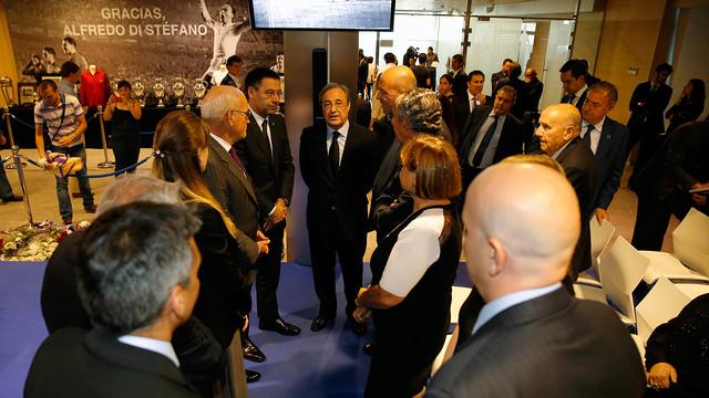 The Barça delegation at Di Stéfano's memorial / PHOTO: HELIOS - realmadrid.com