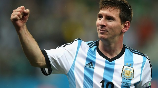 Messi in the game against Holland / PHOTO: FIFA.COM
