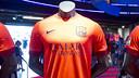 La segona equipació ja és a la venda a l'FCBotiga / FOTO: VÍCTOR SALGADO - FCB