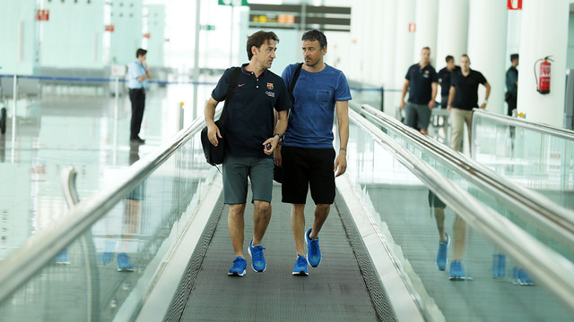 Luis Enrique and Joan Barbarà, on the trip to Huelva. PHOTO: MIGUEL RUIZ-FCB.