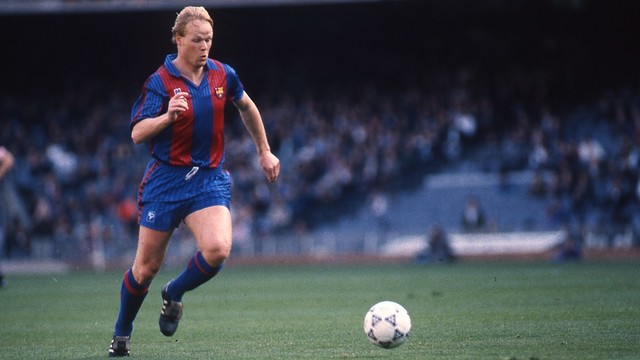 Ronald Koeman, during a Barça match / PHOTO: ARXIU FCB