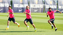 Messi, Mascherano and Alves training this evening / PHOTO: MIGUEL RUIZ-FCB