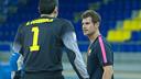 Aitor Egurrola y Erik Roqueta, en un entrenamiento / FOTO: ALEIX TELLO - FCB