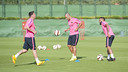 Messi, Mascherano and Alves trained on Friday evening at the Ciutat Esportiva / PHOTO: VÍCTOR SALGADO - FCB