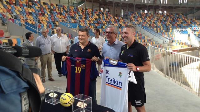 Pascual, Ballesteros y Viver, en la presentación de la Supercopa Asobal . /FOTO:FCB