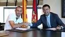 Mascherano and president Bartomeu. PHOTO: MIGUEL RUIZ - FCB