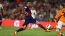 Alves in action against Elche. PHOTO: MIGUEL RUIZ-FCB.