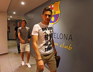 Marc Bartra, entrando no vestiário do Camp Nou.