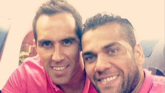 Claudio Bravo and Dani Alves were among the players that posted comments and pictures / PHOTO: @danid2ois