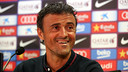 Luis Enrique sharing a laugh with reporters at Friday's press conference / PHOTO: MIGUEL RUIZ-FCB
