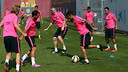 Dani Alves and Jérémy Mathieu are both back in the team / PHOTO: MIGUEL RUIZ - FCB