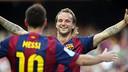 Rakitic y Messi celebran uno de los goles contra el Granada, en la primera vuelta / MIGUEL RUIZ-FCB