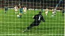 Gol de Ronaldo contra el PSG en la final de la Recopa'97. FOTO: ARXIU-FCB.