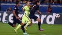 Iniesta, en el partido contra el PSG / FOTO: MIGUEL RUIZ - FCB