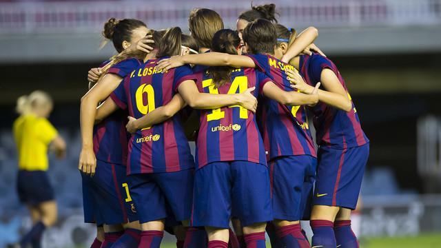 Las jugadoras del Femenino celebran un gol