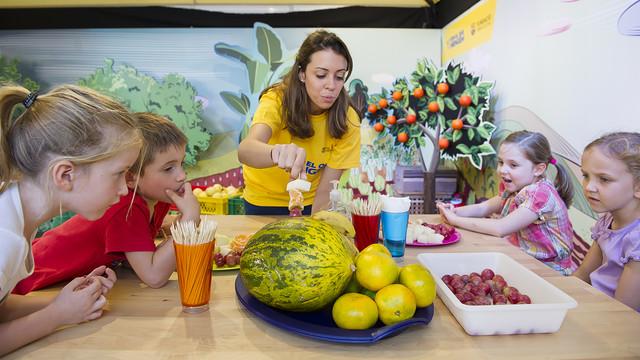 Un taller d'alimentació saludable amb fruites