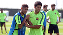 Suárez and Neymar, who was speaking after the Monday morning training session / MIGUEL RUIZ-FCB