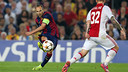 Iniesta passeur pour Messi. PHOTO: MIGUEL RUIZ - FCB