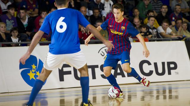 Lin en una acción de la UEFA Elite Round disputada en el Palau