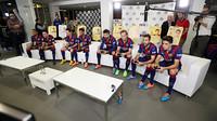Oito jogadores do Barça provaram o novo FIFA15 da EA Sports
