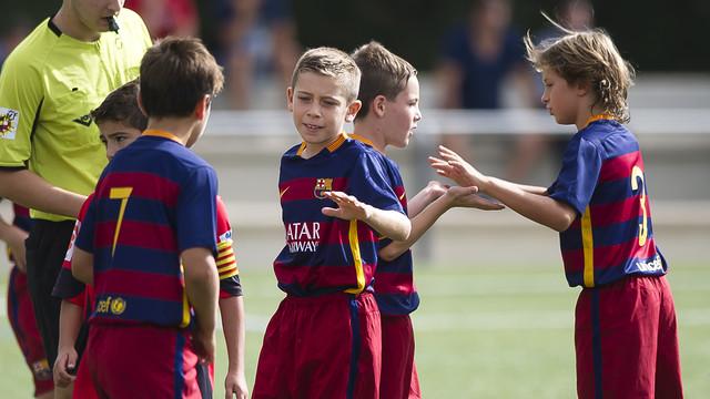 مدرسة نادي برشلونة FCBESCOLA 2015-09-20FCBBENJAMIAvsSANTBOINAVICTOR_pic_2015-09-20_fcbbenjamiavssantboiana_10.v1444316327