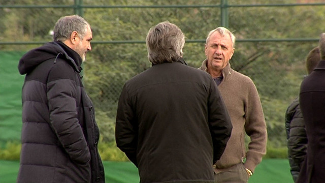Johan Cruyff, Andoni Zubizarreta and Narcís Julià, at the Barça B training session