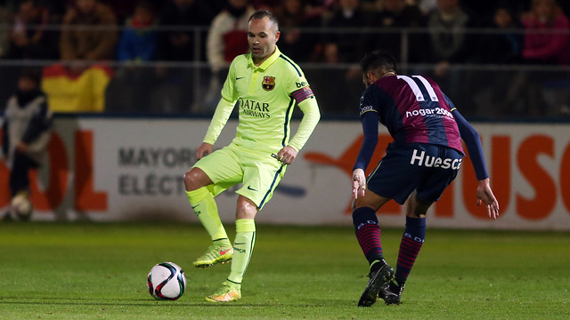Andrés Iniesta was playing for the first time since his injury at the Santiago Bernabéu / PHOTO: MIGUEL RUIZ - FCB