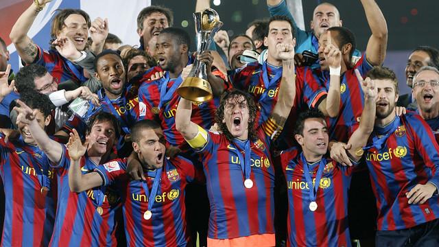 Tim utama di tahun 2009 mengankat Piala Antar Klub