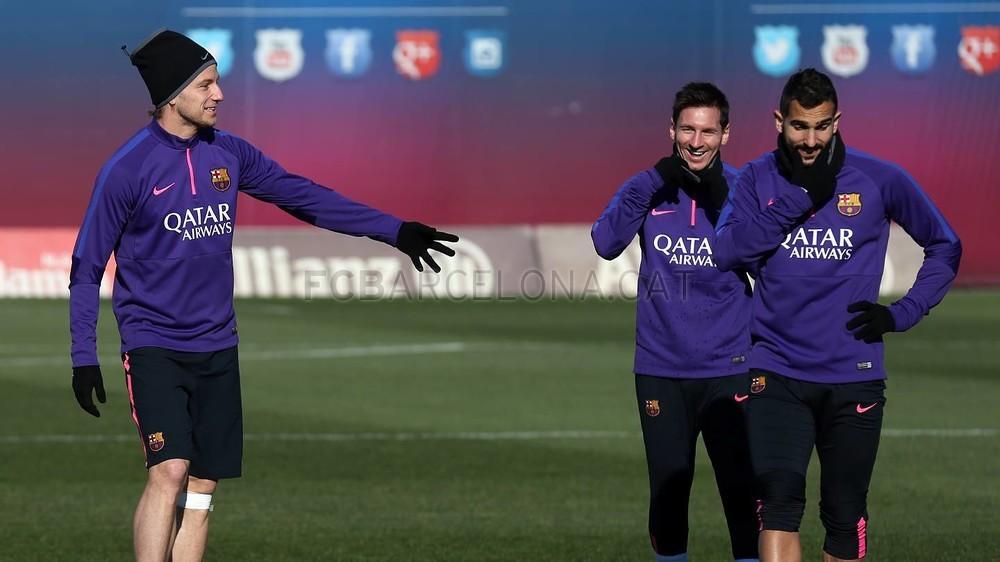 الدورة التدريبية الأخيرة لبرشلونة قبل مواجهة إلتشي Pic_2015-01-23_ENTRENO_04-Optimized.v1422013457