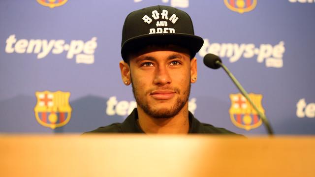 Neymar, na coletiva da parceria entre Barça e Baruel