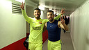 Rafinha and Jordi Alba celebrate the win in the players' tunnel / PHOTO: MIGUEL RUIZ - FCB