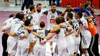 Sorhaindo y Karabatic con sus compañeros una vez ganado el título / FOTO: Qatar Handball 2015