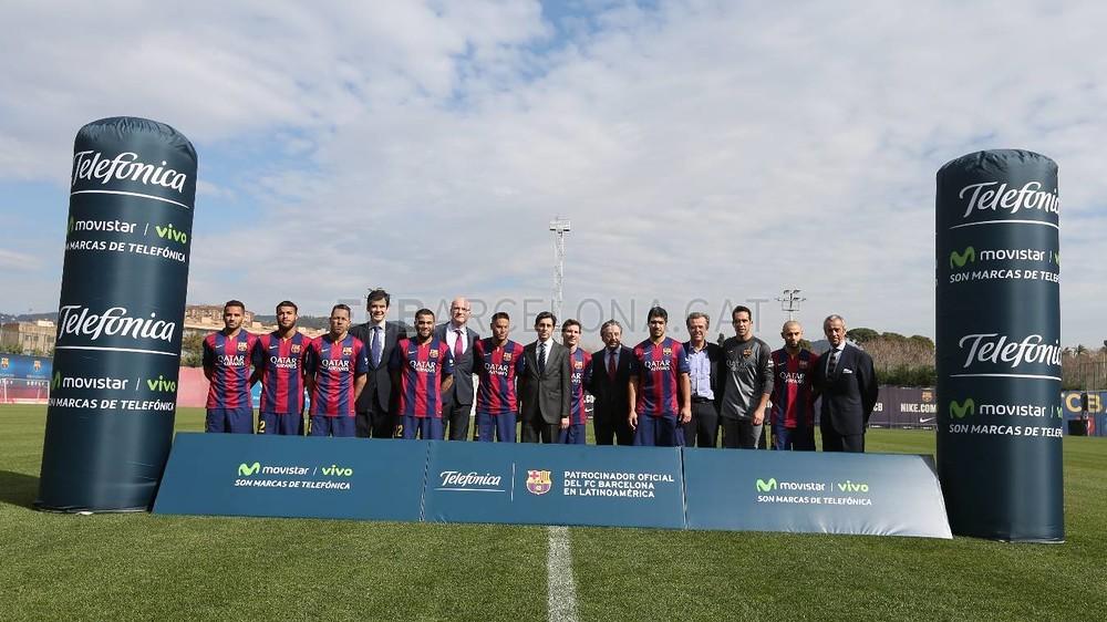 بالصور والفيديو  : لاعبو برشلونة يعلنون عن عقد بث مباريات الفريق للموسم المقبل MRG29609-Optimized.v1424269144