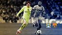Messi sedang menggiring bola