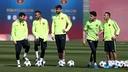 Messi, Neymar, Piqué, Bartra et Adriano pendant un entrainement / ARXIU FCB