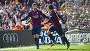 Gerard Piqué celebrates after scoring from a corner against Rayo. / VICTOR SALGADO - FCB