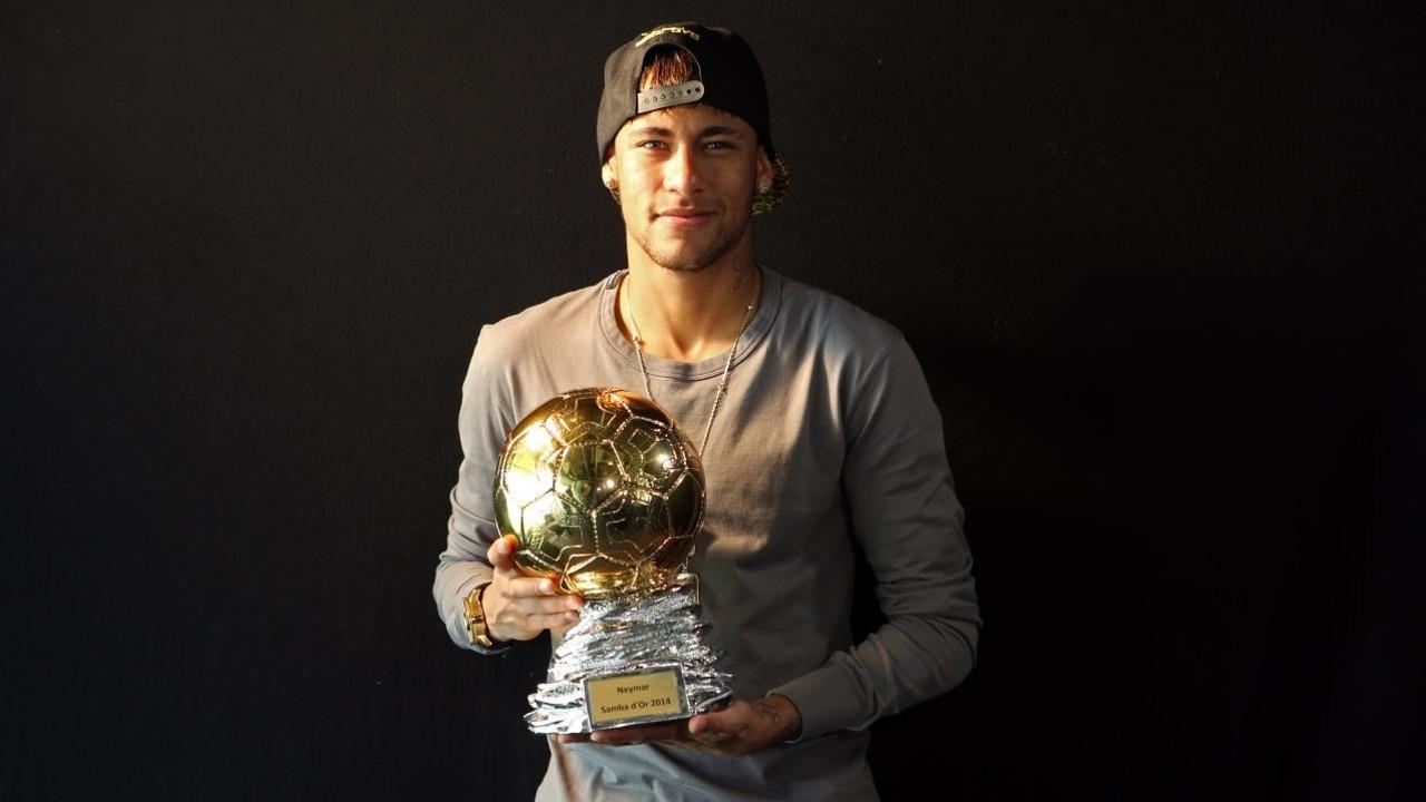 Neymar Jr rep el premi / MIGUEL RUIZ-FCB