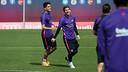 Bartra y Messi, en el entrenamiento / MIGUEL RUIZ-FCB