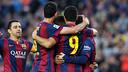 Les joueurs se félicitent après avoir inscrit six buts à Getafe / MIGUEL RUIZ - FCB