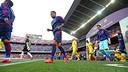 Les joueurs rentrent sur la pelouse du Camp Nou/ MIGUEL RUIZ-FCB
