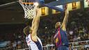 Thomas with a dunk against Obradoiro / VICTOR SALGADO - FCB