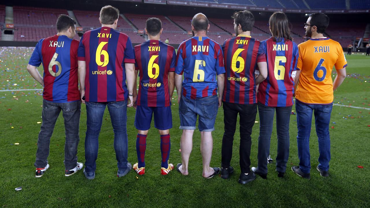 Xavi and his friends. / MIGUEL RUIZ-FCB