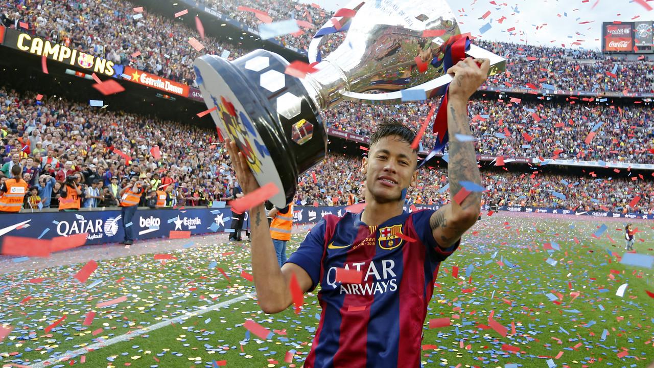 Neymar Jr, amb el títol de Lliga / MIGUEL RUIZ-FCB
