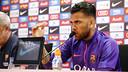 Dani Alves, en conférence de presse  / MIGUEL RUIZ - FCB