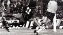Marcos Alonso marca de cap a la final del 1983 contra el Reial Madrid / F. ZUERAS