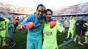 Bravo y Messi, en el Calderón / MIGUEL RUIZ-FCB